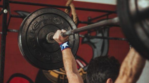 Suplementy diety na siłę - jakie suplementy na budowę siły?